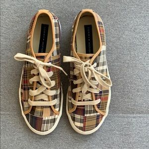 Tommy Hilfiger Men's 9 ½ Plaid Patchwork Sneaker